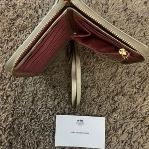 Coach leather white pink heart bifold
